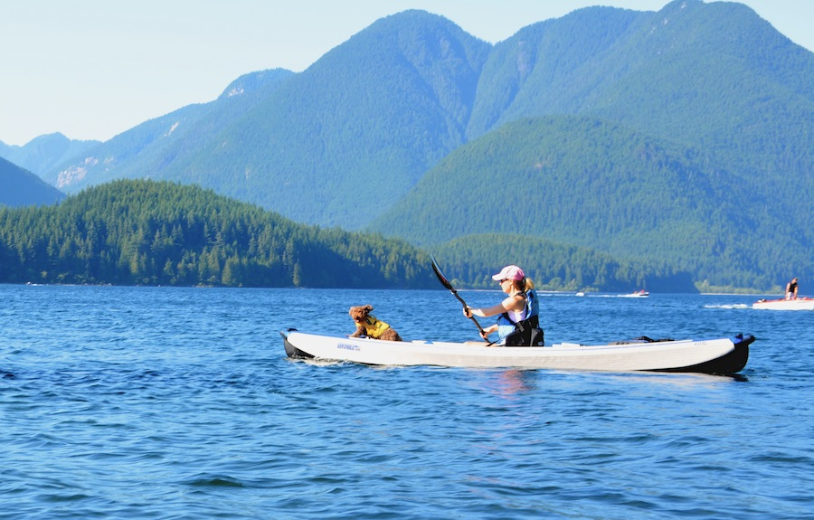 paddling the 473 razorlite solo with Seth